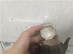 平��@�有喜�g喝茶的朋友�幔�我珍藏多年的�y�兀��F在因�樽罱�用�X��涑鋈�13000元,有意愿的�系我,