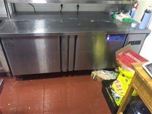 冷藏商用1.8?#23376;?#20102;三个月 因需换冷冻的 现出售