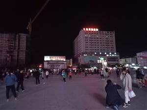 五河青年圩广场夜景不错