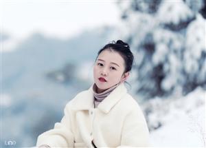 记2018年第一场大雪??于白岩山。摄影&后期:LD出镜:亚芬