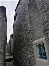 龙江南面中村民居文化:户户相连、门门相对