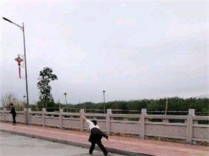 棉湖古镇环城路晨运的人们……!