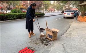 昨天,福彩3d胆码预测街头最美的一幕发生在黄河路上!