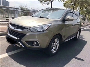 出售现代ix35,自家用车,6万多,自动挡大天窗!