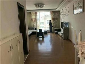 育才路2小学区房精装3房低价出售,首付16万左右