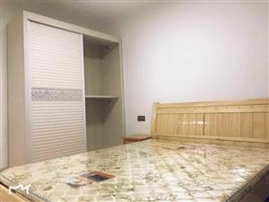 万景观邸精装修92平方,2室2厅首次出租