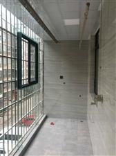 和谐小区新装3室关门出售,首付25万左右