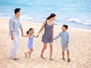 父亲,决定家庭的高度;母亲,决定家庭的温度