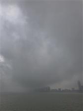 近期,珠海天气变化较大,出行注意安全哦!