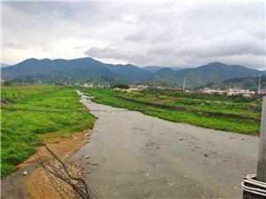 美丽的寻乌山河,隐隐约约的山影,美的像一幅画卷!