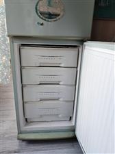 出售二手双门美菱冰箱一台价格优惠