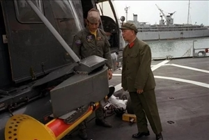 人民海军,生日快乐!