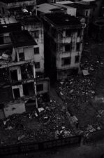 断垣残壁摄于待拆迁的翠微村