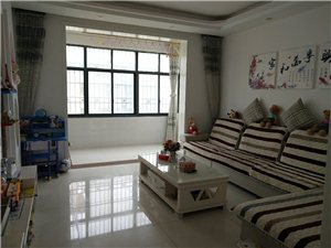 �P凰城二期的房子便宜�u了,98平米,15�牵�最好的��樱�精�b修的,有房�a�C,可以按揭�J款的