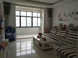 凤凰城二期的房子便宜卖了,98平米,15楼,最好的楼层,精装修的,有房产证,可?#22253;?#25581;贷款的