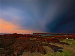 五一游红石滩,亚洲湾。