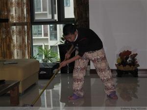 漯河专业保洁清洗队。专业清洗空调,油烟机,门头等等漯河专业家庭保洁,新旧房打扫卫生,清洗窗帘,拆