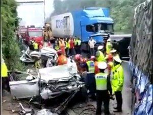 长坝隧道附近严重车祸