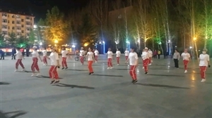 松涛广场舞者
