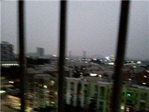 城里的月光,记得深圳横岗南城百货广场,一女孩唱千千阙歌