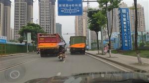 龙滩大道施工造堵,希望工程早些完工。