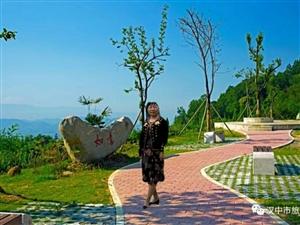 常走路人对身体有很多好处,看看户外运动有益于心理健康。