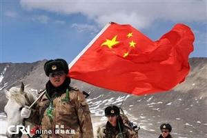 梁俊生,四师十一团一营二连战士,河北涉县人,1976年3月入伍,同年5月入团。1976年8月,在修建