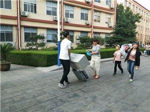 高考结束!博兴三中的学生跟家长们忙碌的身影…