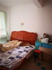 华晖棕榈泉电梯房4室1厅出售啦好房好房好房。