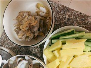 昨天自己在家里做了一�D���r大餐,�M足!