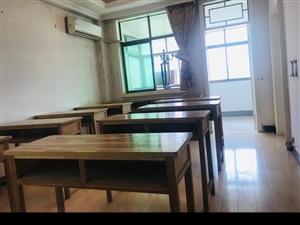 自习室桌椅出租 自习室房间出租 一人一座 24小时不熄灯 地理位置优渥 安静便捷 配备空调饮水机