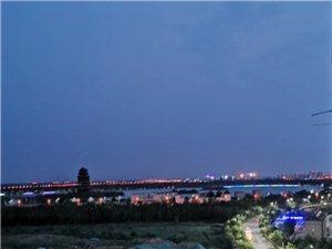 我赞家乡美期盼灯光明今年国大庆游园六蒲楼