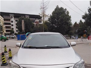 丰田卡罗拉1.6炫酷版