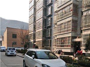 2012年4月白色名爵MG3出售
