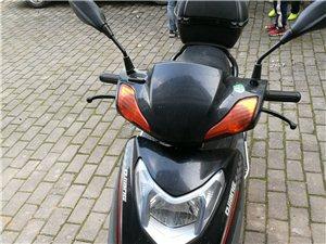 出售��人自用踏板摩托�