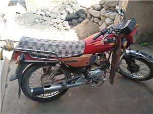 隆鑫125摩托