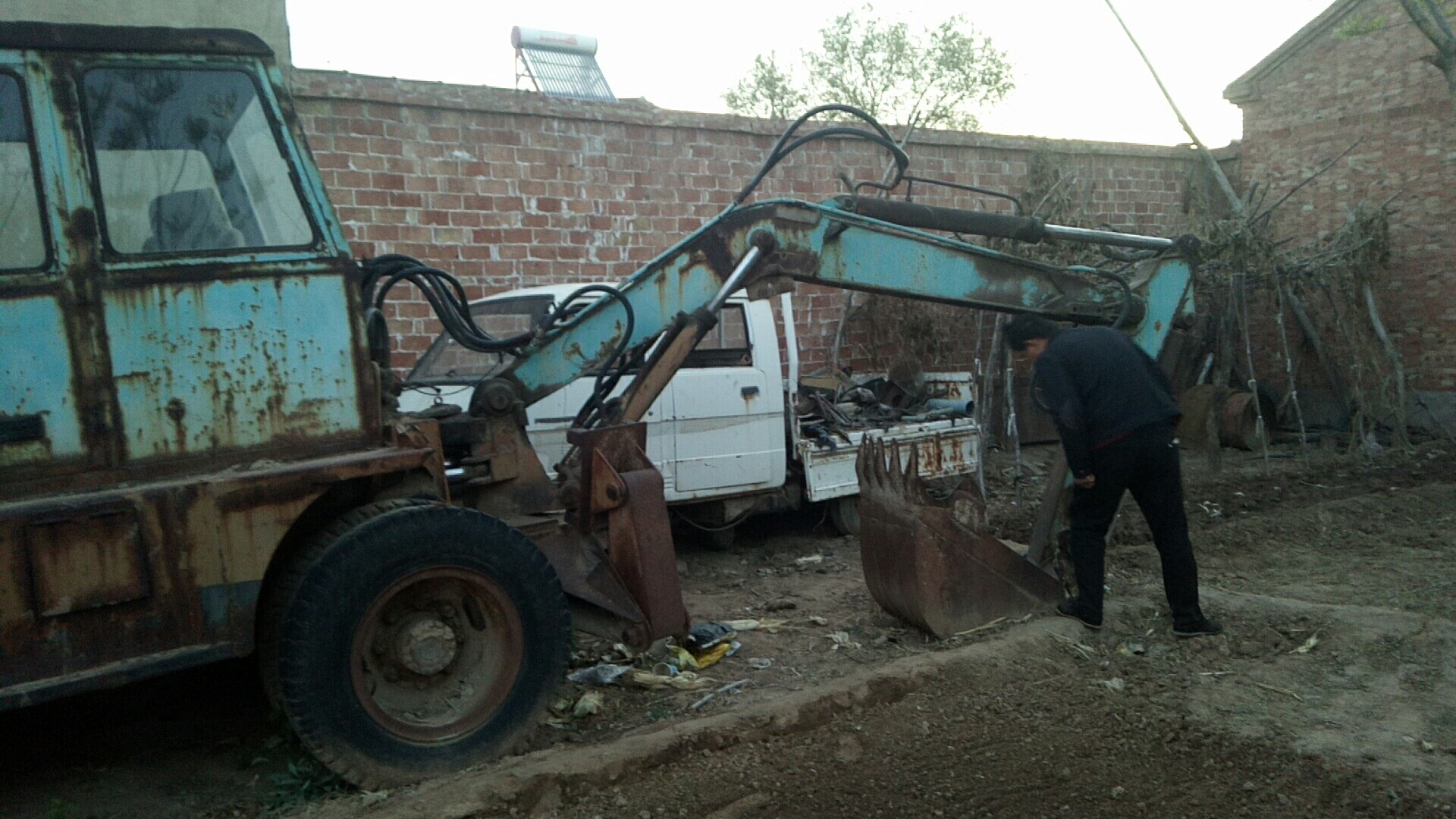 高价回收报废车废铁
