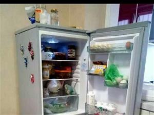 二手冰箱,闲置出售。性能良好。
