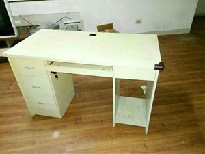 电脑桌便宜出售