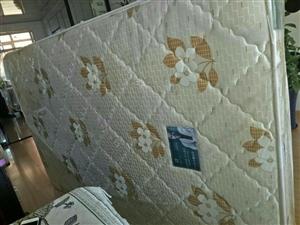 实木95成新单人床 宏益床垫子