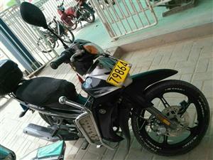 九成新雅马哈110弯梁摩托车低价出售