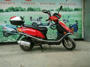 嘉陵踏板摩托车
