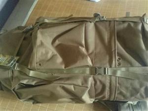 全新的背包