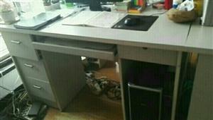 50元转让电脑办公桌