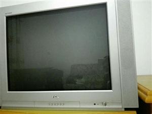 长阳某先生出售二手电视机