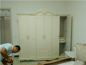 搬家,拉貨,拆裝家具。