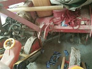 出售四轮驱动拖拉机