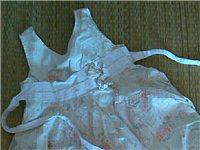 2歲女童露背裙