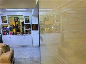 时代广场5室2厅3卫178万元