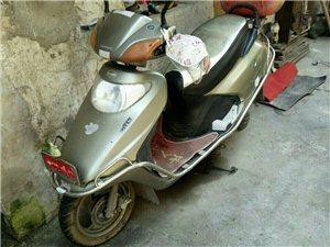 出售二手125女装摩托车